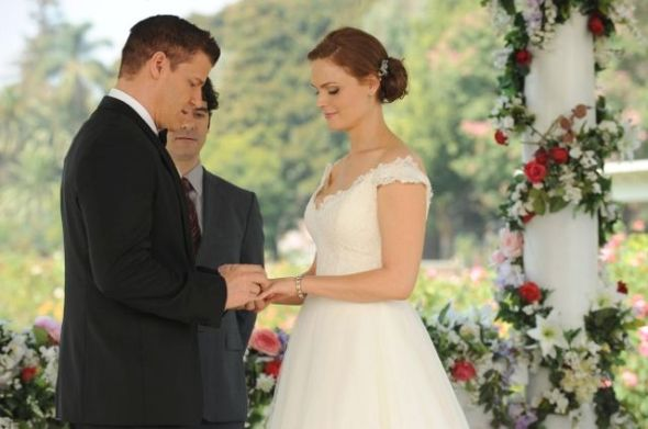 Bones-Ep905_WomanWhite-Sc31_00513